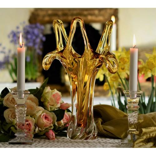 Üvegfúvással készült váza, borostyán színű, magassága 380 mm